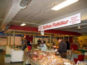 Kolaportið-Flatkökur and shark