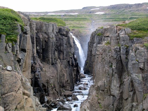 A nice waterfall within walking distance from Klúka!